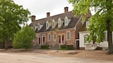 The Colonial Houses - A Colonial Williamsburg Hotel - Williamsburg Hotels