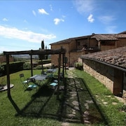 Apartment in Colle di Val D'elsa With Terrace, Pool, Parking