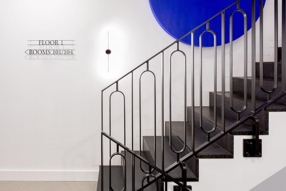 the fritz d sseldorf duesseldorf deu. Black Bedroom Furniture Sets. Home Design Ideas
