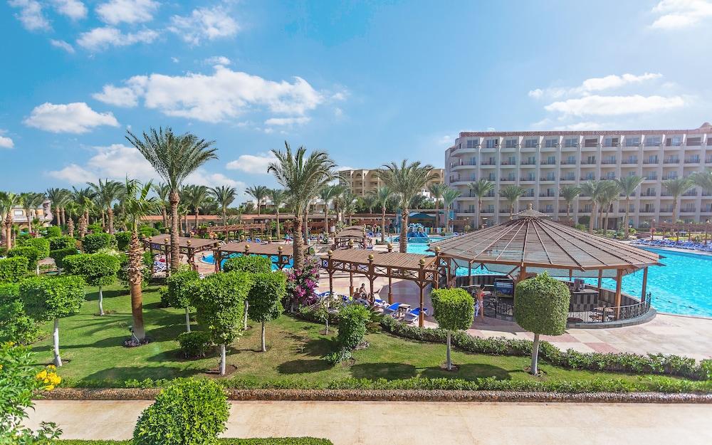 Book hawaii le jardin aqua park resort hurghada hotel deals for Jardin resort
