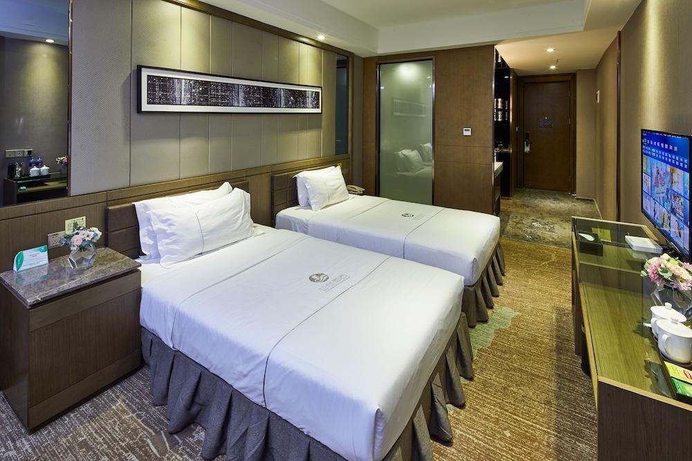 Insail Hotels (Luohu Dongmen Shenzhen): 2019 Room Prices $30