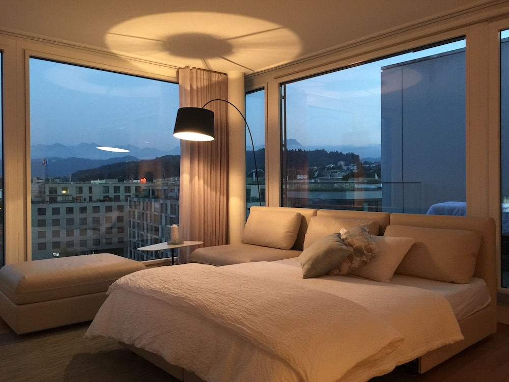 Penthouse apartments lakeside 2017 room prices deals for Penthouse apartment price