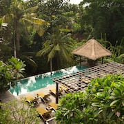 Alaya Resort Jembawan