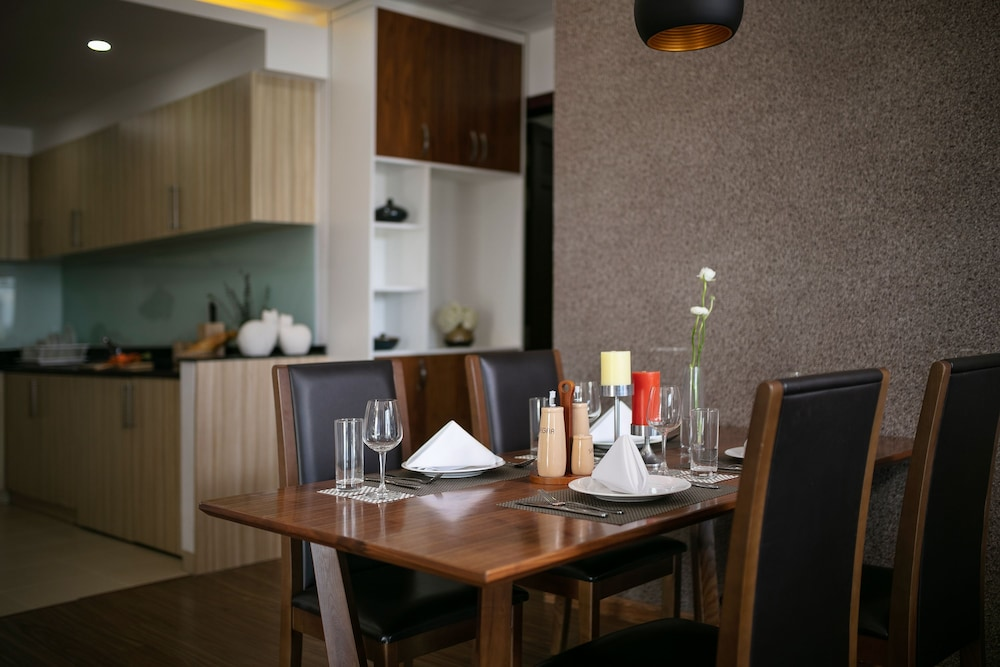 In-Room Dining, Poonsa Serviced Apartment