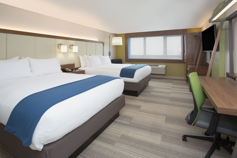 Room, Holiday Inn Express & Suites Houston IAH - Beltway 8