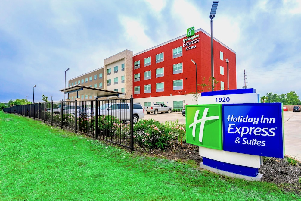 Exterior, Holiday Inn Express & Suites Houston IAH - Beltway 8