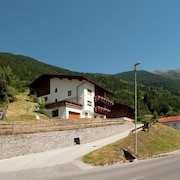 TOP Residence With Wonderful View of the Ötztal