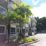 Suites & Apartments San Benito Flats