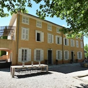 Luxurious Bastide With Private Swimming Pool and Vineyard in Provence