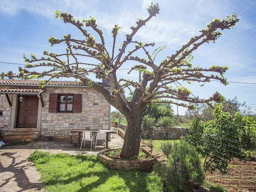 Semi-detached House, Sourrounded by Nature, Privat Garden. Wifi, Airco, Parking