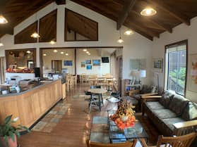 Harbor Lite Lodge