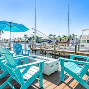 Latitude 26 Waterfront Boutique Resort - Fort Myers Beach