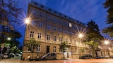 Hotel Legend - Krakow Hotels
