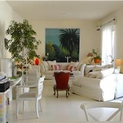 Fab Terrace1 Br Stylish Rome ApartmentCampo di Fiori by RedAwning