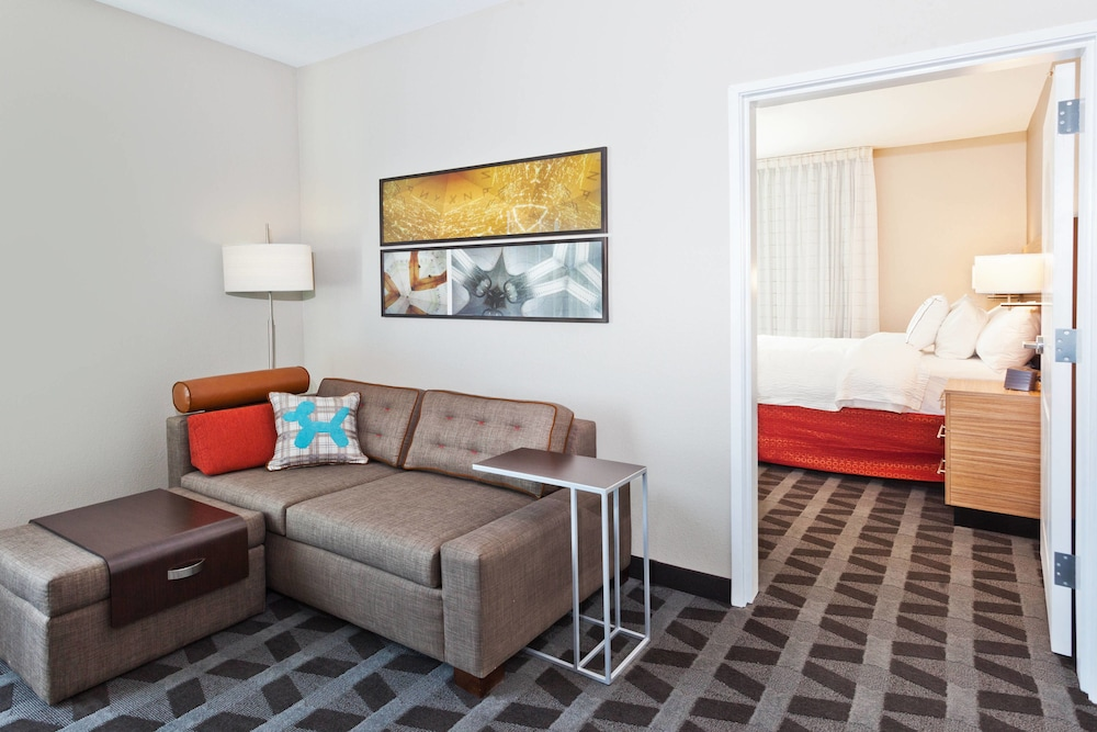 Room, TownePlace Suites Dothan