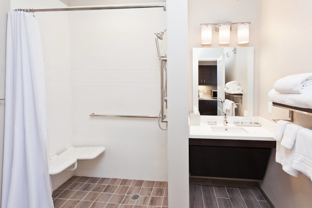 Bathroom, TownePlace Suites Dothan