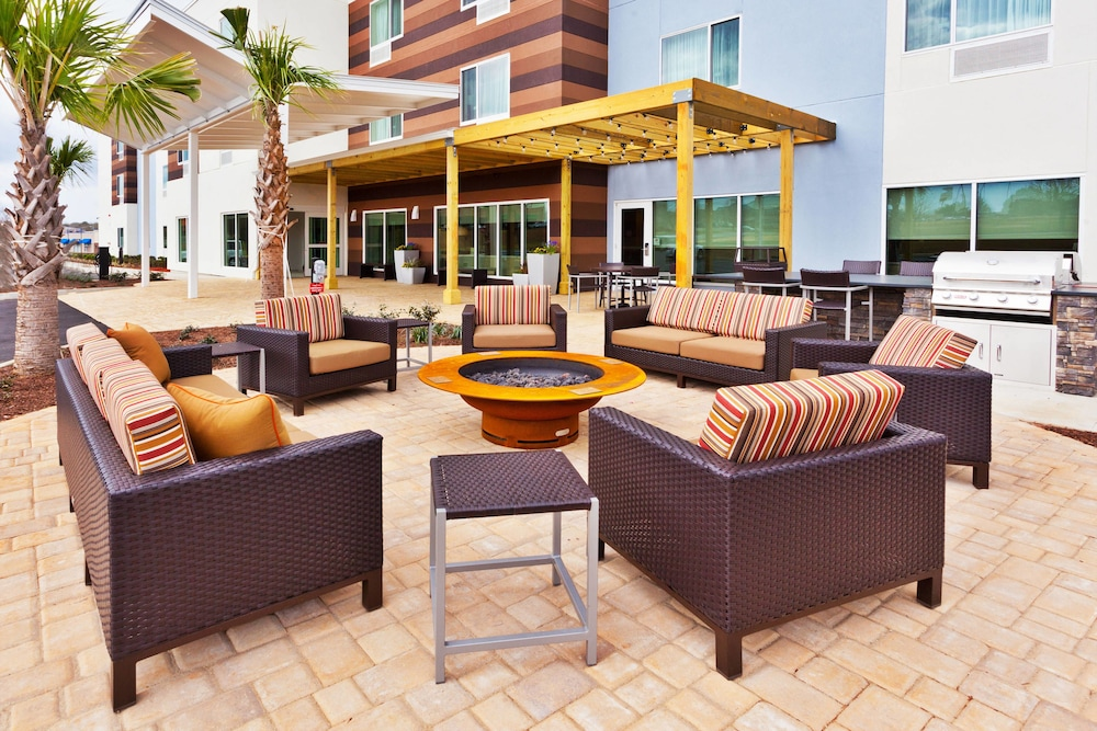 Terrace/Patio, TownePlace Suites Dothan