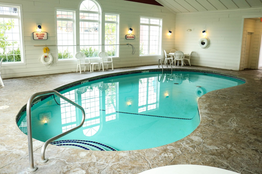 Indoor Pool, Stormy Point Village Lakeside