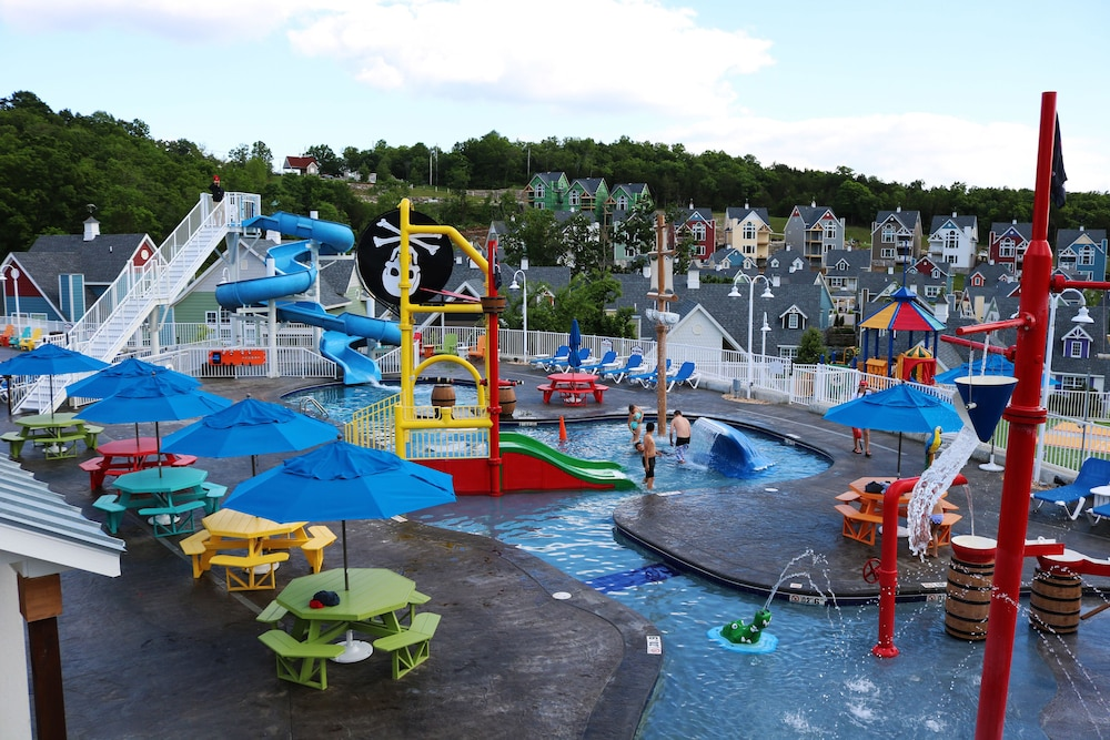 Water Park, Stormy Point Village Lakeside
