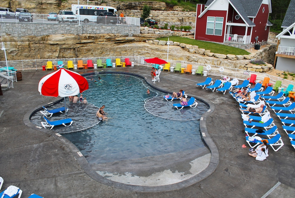 Outdoor Pool, Stormy Point Village Lakeside