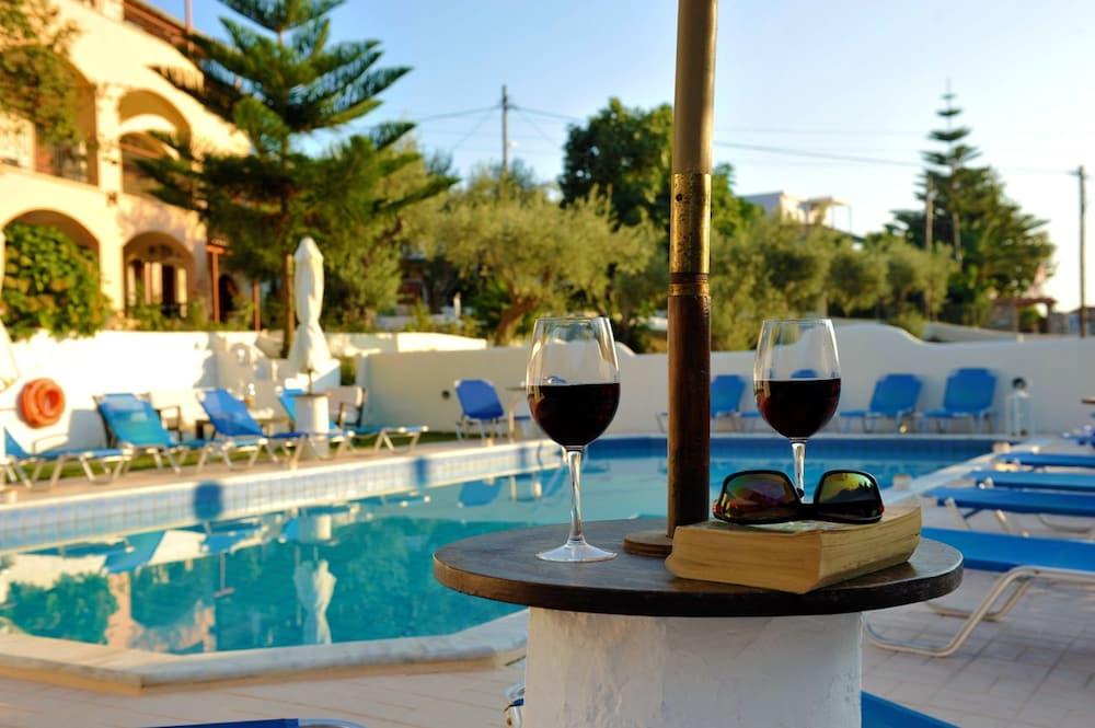 Marina hotel deals reviews skiathos grc wotif for Hotel a skiathos