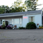 The Chieftain Motel