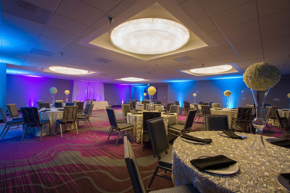 Banquet Hall, Radisson Hotel Oakland Airport