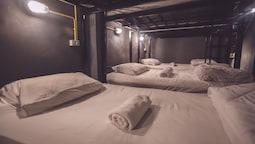 Pura Vida Hostel Bangkok