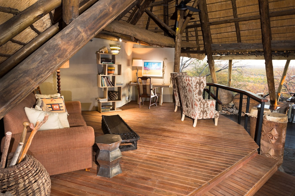 Library, Ongava Lodge