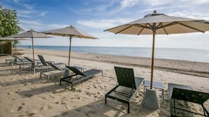 หาดส่วนตัว, ร่มชายหาด, บาร์ริมหาด