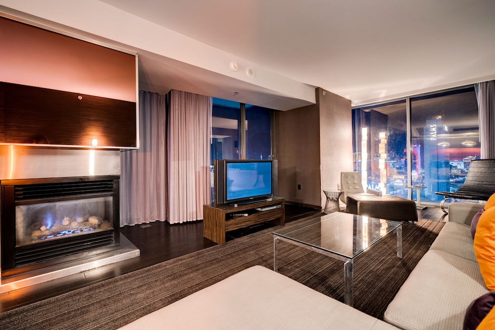 Living Room, StripViewSuites at Palms Place