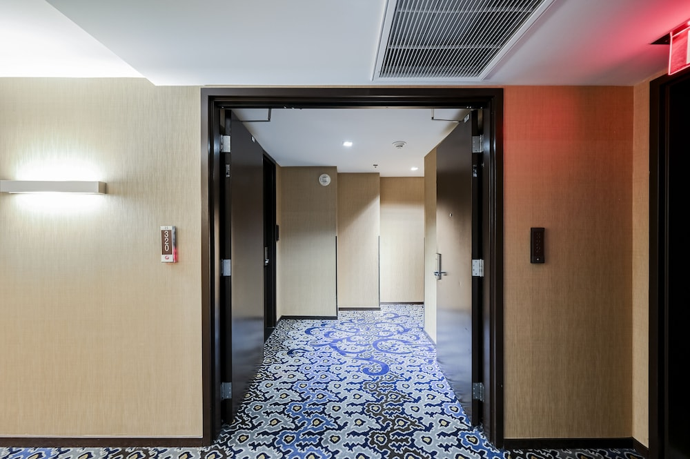 Hallway, StripViewSuites at Palms Place