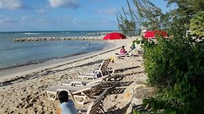 Private beach nearby, white sand, free beach cabanas, sun loungers