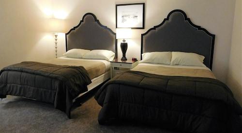 Check Expedia for Availability of Capri Motel