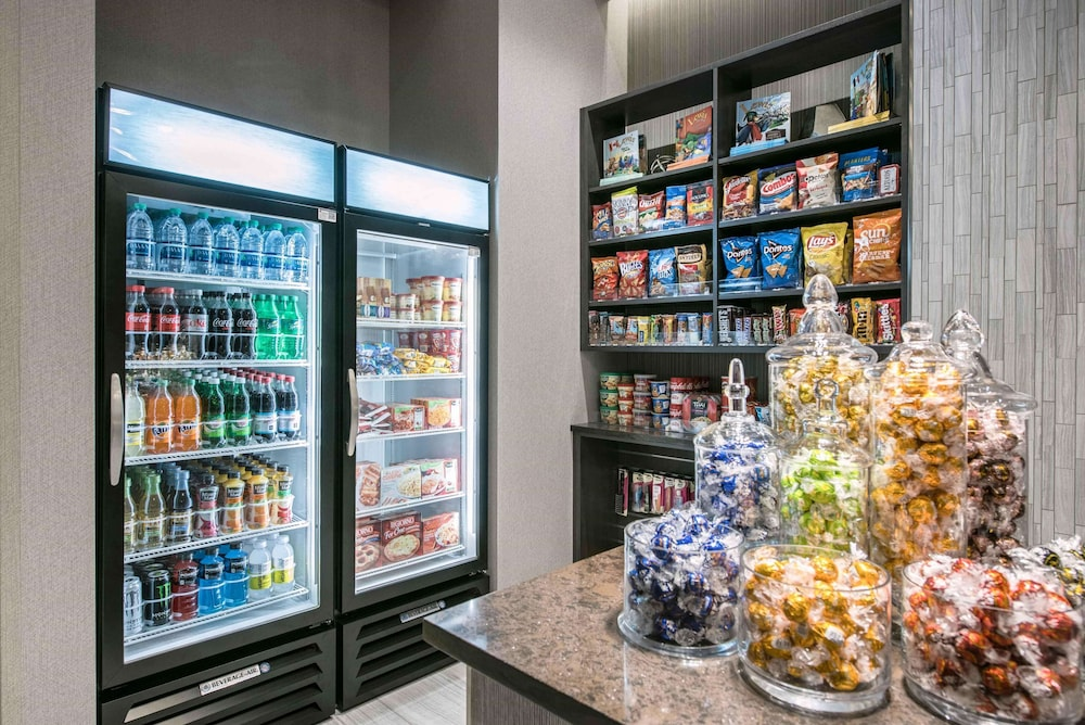 Snack Bar, Homewood Suites by Hilton Boston Logan Airport Chelsea