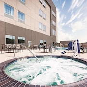 La Quinta Inn & Suites by Wyndham McAllen La Plaza Mall