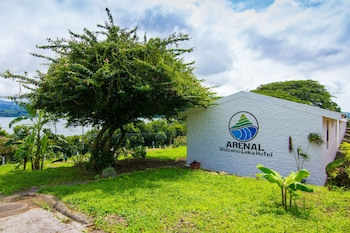 Arenal Volcano Lake Hotel - Hostel