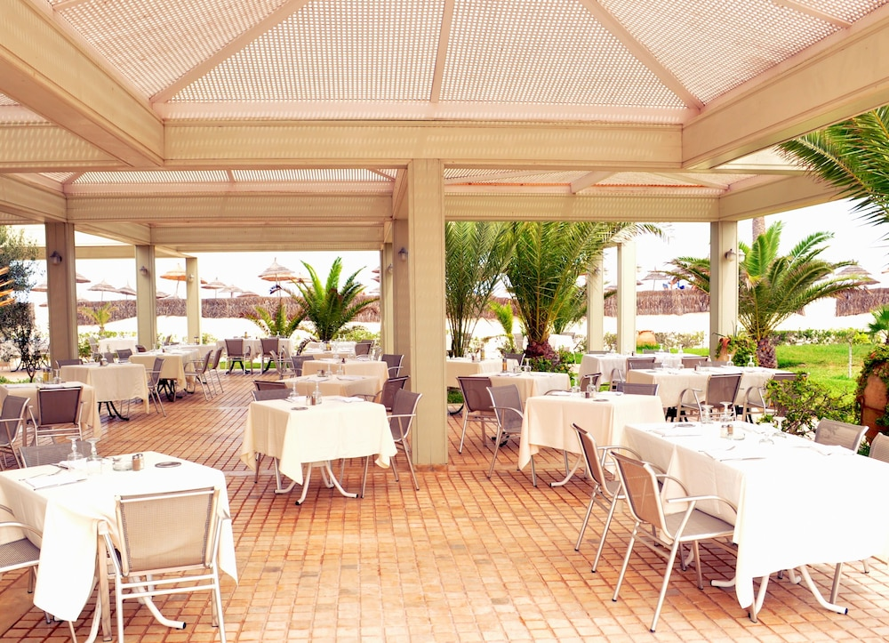 Outdoor Dining, TUI BLUE Palm Beach Palace - All Inclusive