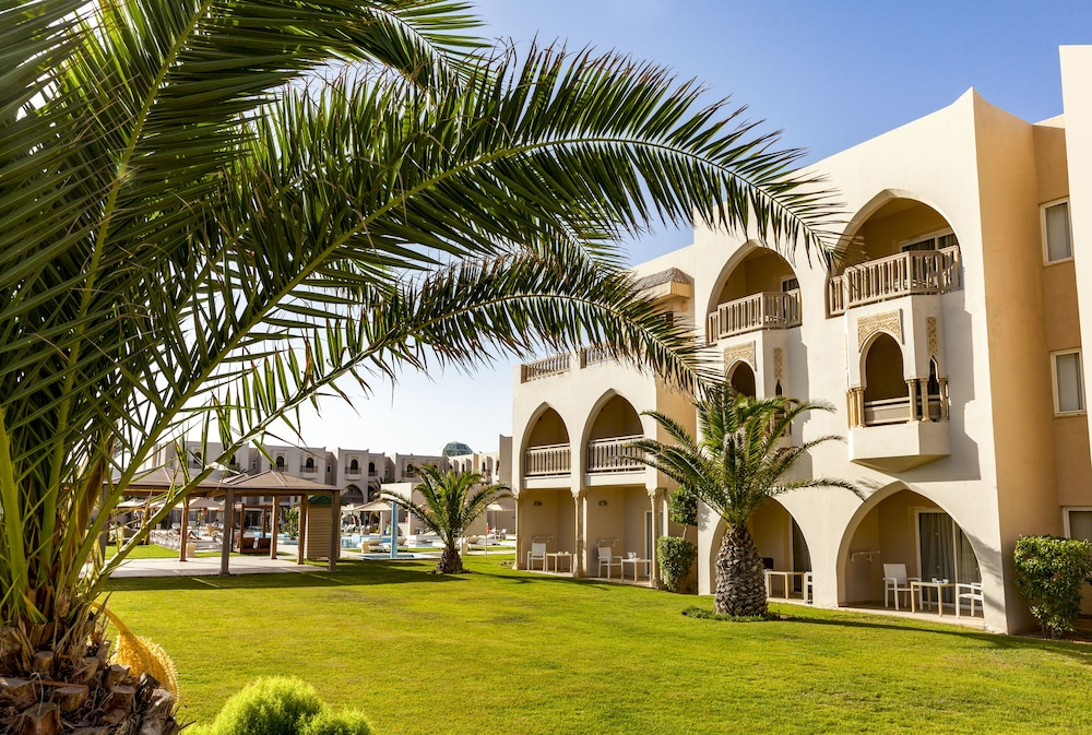 Garden, TUI BLUE Palm Beach Palace - All Inclusive