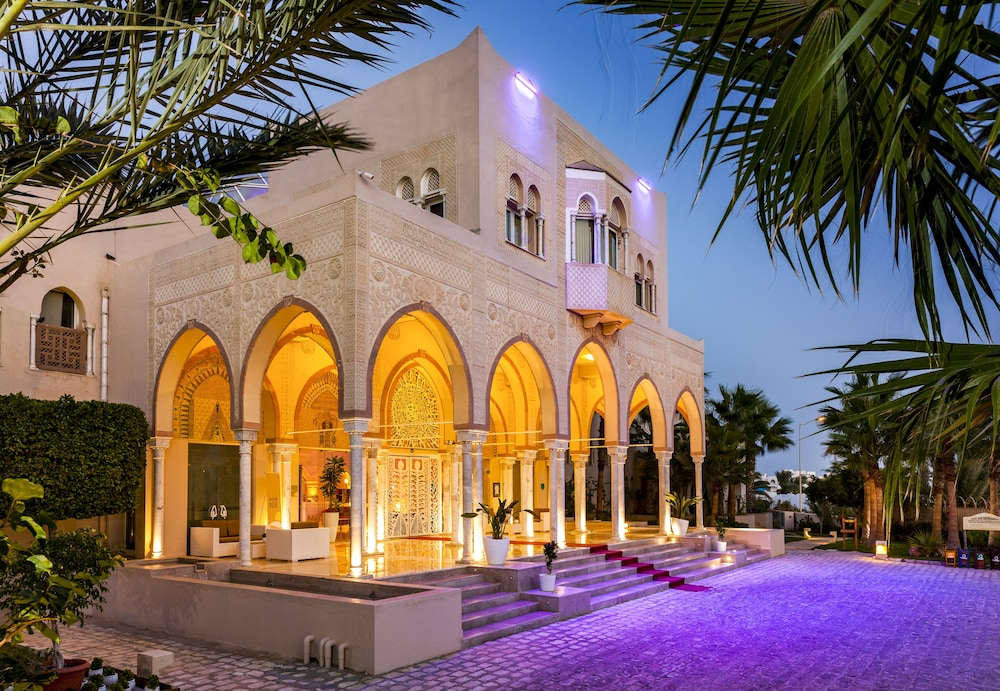 Front of Property - Evening/Night, TUI BLUE Palm Beach Palace - All Inclusive