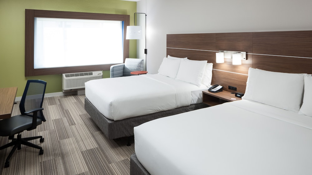 Room, Holiday Inn Express & Suites Orlando at SeaWorld, an IHG Hotel