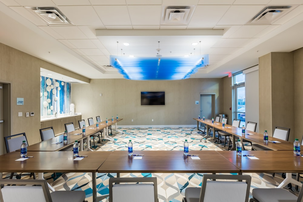 Meeting Facility, Holiday Inn Express & Suites Orlando at SeaWorld, an IHG Hotel