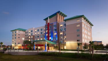 Holiday Inn Express & Suites Orlando at SeaWorld, an IHG Hotel