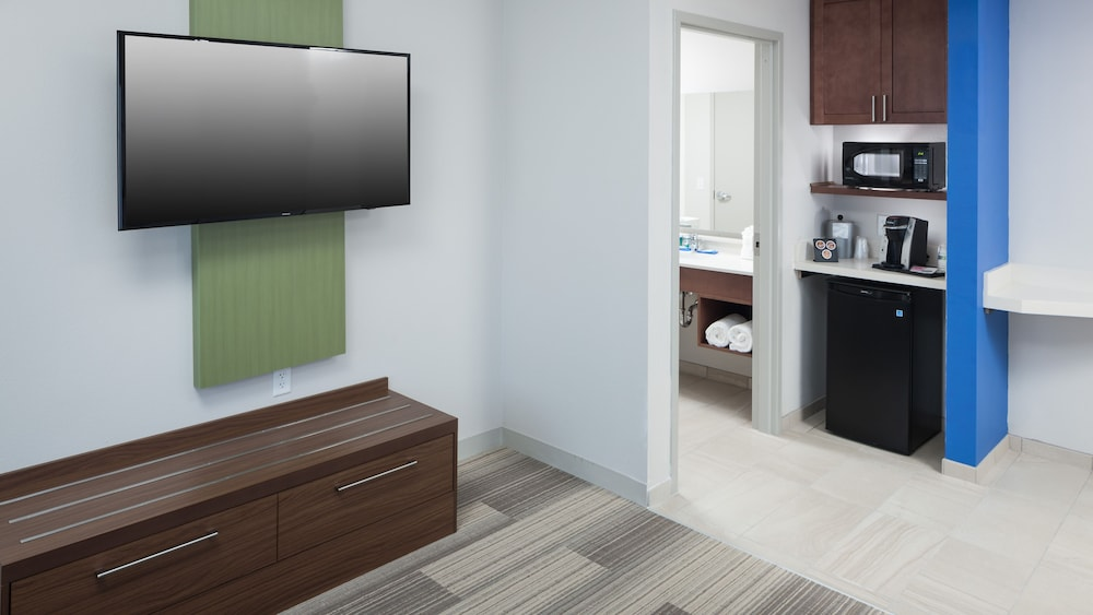 Room Amenity, Holiday Inn Express & Suites Orlando at SeaWorld, an IHG Hotel