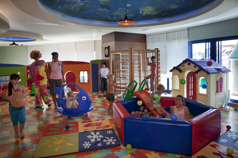 Children's Play Area - Indoor, Granada Luxury Resort Okurcalar - All Inclusive