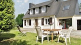 Idyllic Breton house with garden - Pont-l'Abbe Hotels