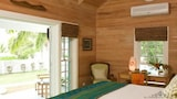 Villa Candace - Dunmore Town Hotels