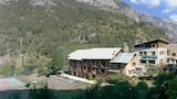 Fantastic flat in the French Alps - Guillestre Hotels