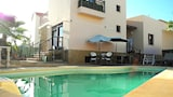 International Surf School & Camp - Hostel - La Oliva Hotels