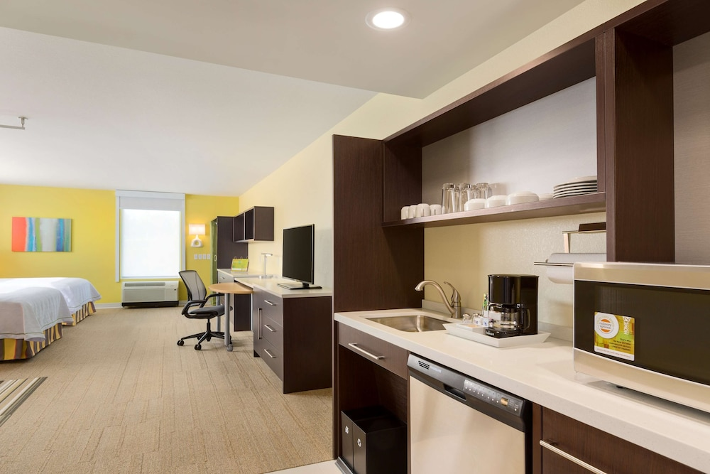 Room, Home2 Suites By Hilton Youngstown